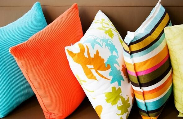 Make Your Living Room Work: A Collection of Beautiful Cushions - Articles about Apartments 3 by  image