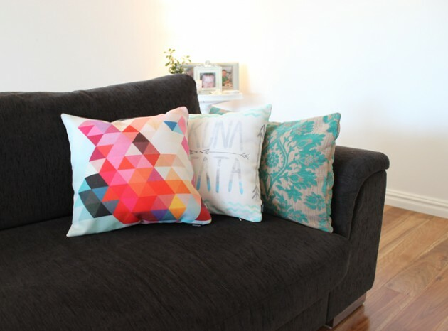 Make Your Living Room Work: A Collection of Beautiful Cushions - Articles about Apartments 6 by  image