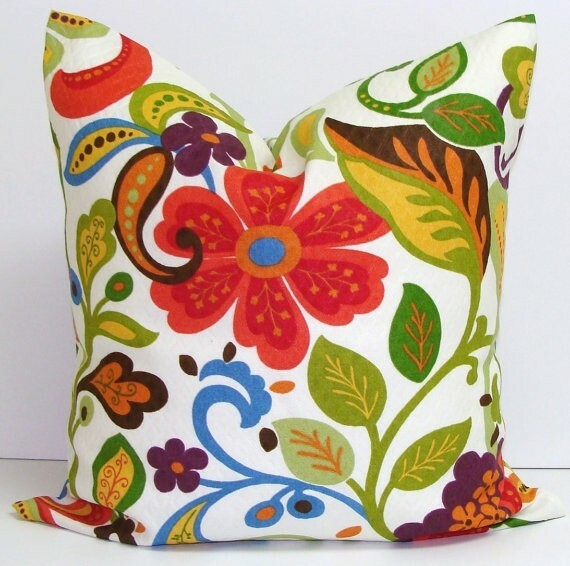 Make Your Living Room Work: A Collection of Beautiful Cushions - Articles about Apartments 25 by  image