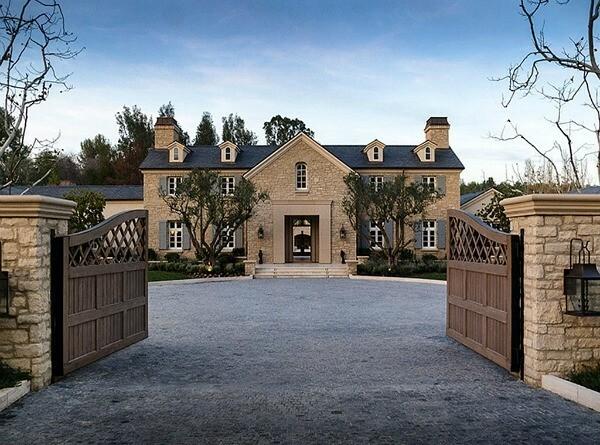 5 Amazing Celebs' Houses: Part 1